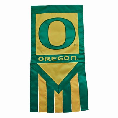 UNIVERSITY OF OREGON GARDEN FLAG [WITH TAILS]