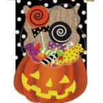 HALLOWEEN CANDY TREAT [BURLAP GARDEN FLAG]