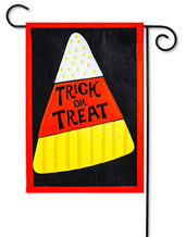 TRICK OR TREAT [FELT GARDEN FLAG]